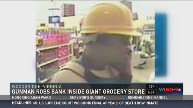 Gunman robs bank inside Giant grocery store